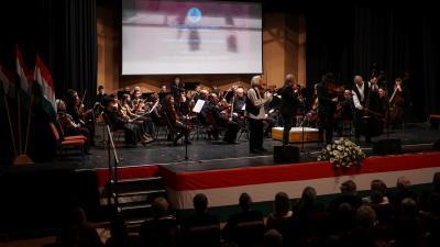 A Békés megyei szimfonikus Zenekar és a Muzsikás Együttes közös ünnepi hangversenye Fotó: Tóth Áron