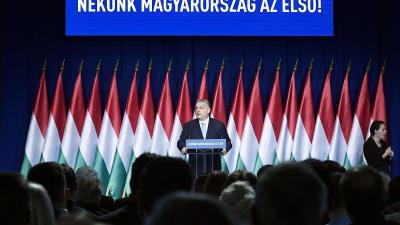 Orbán Viktor miniszterelnök hagyományos évértékelõ beszédét tartja a Várkert Bazárban 2019. február 10-én. (MTI/Koszticsák Szilárd)