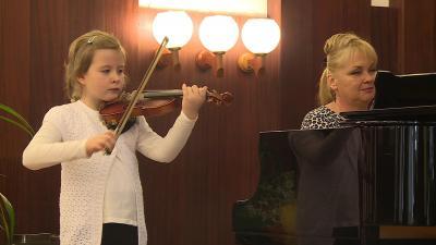 Békés megyei zeneiskolák hegedűversenye. Archív fotó: behir.hu