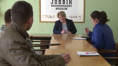 A Jobbik önkormányzati képviselője értékelte a márciusi közgyűlést hétfőn. Fotó: Ujházi György