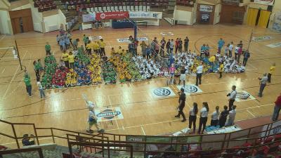Csoportkép a sportnap résztvevőivel (Fotó: Kugyelka Attila)