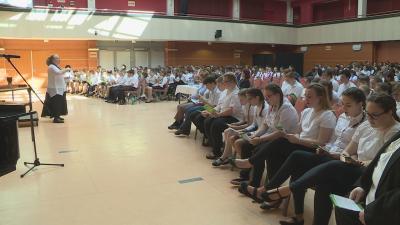 Közel hatszáz gyermek érkezett az Éneklő Ifjúság - Békés megyei kórustalálkozóra és minősítő hangversenyre.