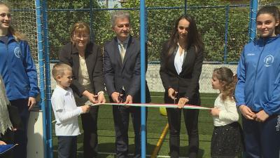 Hivatalosan is átadták a harmadik békéscsabai Ovi-Sport pályát a Tündérkert Óvodában. Fotó: Kugyelka Attila