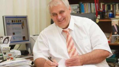Hanó Miklós alpolgármester és a 9. számú választókerület egyéni képviselője
