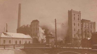 Az 1915-ben történt tűz nyomai a Munkácsy múzeumban található fotón