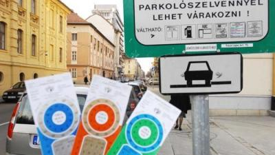 Szeged, Szegeden parkolójeggyel lehet parkolni  Fotó: Segesvári Csaba/szegedipillanatok.blog.hu