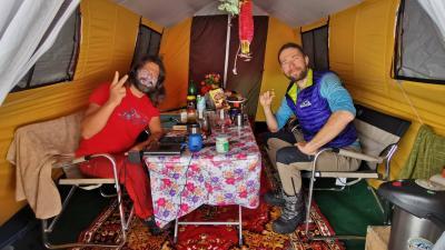 Klein Dávid és Suhajda Szilárd a Magyar K2 Expedíción. Forrás: Facebook.com