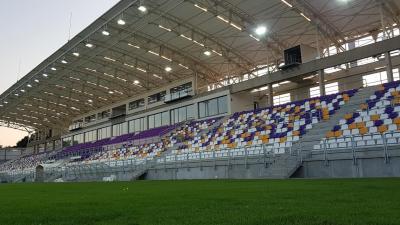 Hosszú idő után befejeződött a Kórház utcai stadion lelátójának kivitelezése. Fotó: 1912elore.hu