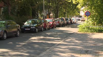 Fizetős parkolók a Szabó Dezső utcában Fotó: Ujházi György