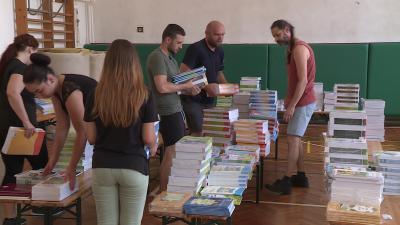 Megérkeztek a tankönyvek az evangélikus iskolába (fotó: Fazekas Róbert)