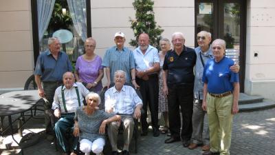 A Vásárhelyi 1954-ben érettségizett évfolyamának tagjai
