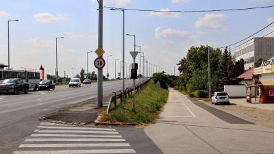 Szeptember végén kezdődik a Szarvasi úti kerékpárút kivitelezése. Fotó: Milyó Pál