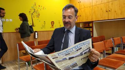 Hivatalosan is átadták a megújult Mackó-Kuckó óvoda egyik telephelyét, Kutyej Pál képviselő az átadás előtt lapozta át a Csabai Mérleget