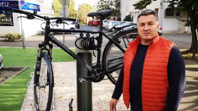 Hétfőn adták át Békéscsaba első kerékpár szervíz állványát. Fotó: Papp Ádám
