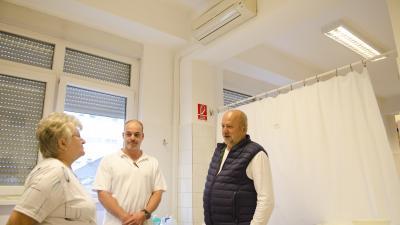 Az Orosházi Kórház traumatológia szakrendelőjében. Fotó: Orosházi Kórház/Melega Krisztián