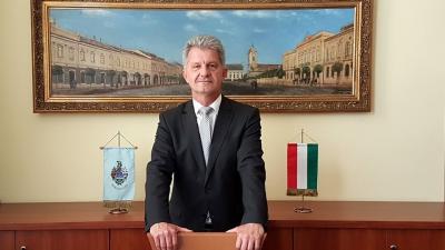 Szarvas Péter újraválasztott polgármester (fotó: facebook)