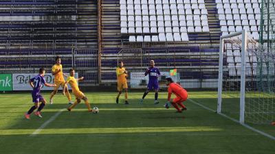 Hursán (szemben) óriási passzt adott, Gréczi (71) pedig megszerezte a győztes gólt (Fotó: Milyó Pál)