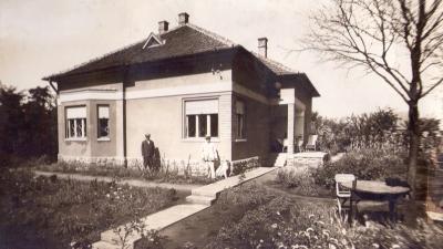 Az Élővíz-csatorna parti villa egykori fotója