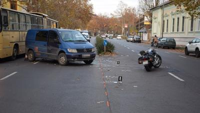 Baleset Békéscsabán, az Andrássy úton 2019.11.19.-én. Fotó: police.hu