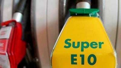 E10-es üzemanyagtöltő. Fotó: sportmotor.hu