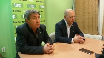 Takács Péter és Kendernay János -(Fotó: behir.hu)