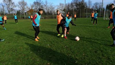 A srácok egymás elleni játékkal fejezték be az edzést - (Fotó: Hidvégi Dávid)