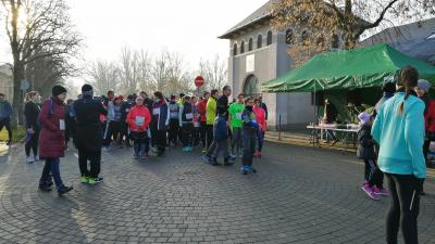 Így sorakoztak a futók - (Fotó: behir.hu)