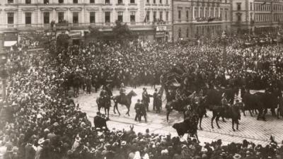 Munkácsy Mihály temetése, a gyászmenet elindulása a Műcsarnoktól (Vasárnapi Újság, 1900. május 13.)