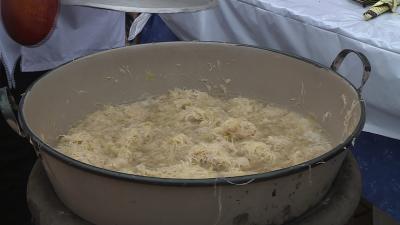 Készül a kapusznyica, amelyet a szlovákok karácsonykor előszeretettel fogyasztanak. Fotó: Fazekas Róbert