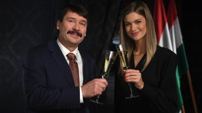 Áder János köztársasági elnök és Weisz Fanni jeltolmács (MTI fotó: Illyés Tibor)