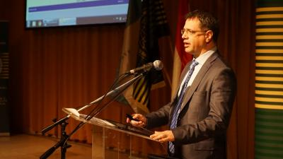 Besesek Botond, helyettes államtitkár – (Fotó: behir.hu)