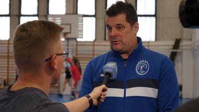 Nagy Attila ad interjút a 7.Tv stábjának – (Fotó: Bagi József)