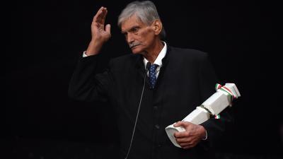 Életműdíját az M4 Sport - Év sportolója gálán a Nemzeti Színházban 2020. január 16-án vette át (MTI/Illyés Tibor)