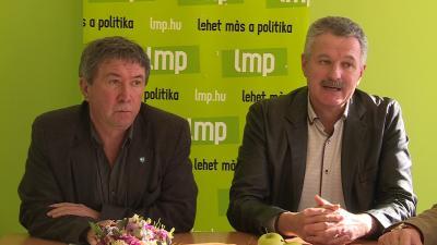 Takács Péter (balról), Kis-Szeniczey Kálmán (jobbról). Fotó: Máthé Csongor / behir.hu