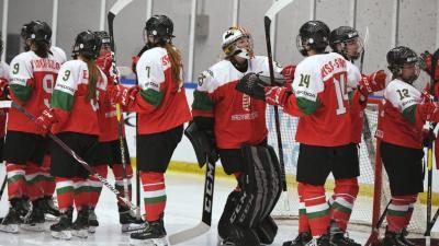 A magyar csapat a női jégkorong divízió I/A világbajnokság Magyarország – Ausztria mérkőzésén a káposztás megyeri Vasas Jégcentrumban 2019. április 13-án – MTI/Koszticsák Szilárd