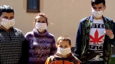Közel 1500 maszkot készített a Békéscsabai Baptista Gyülekezet