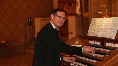 Szamosi Szabolcs. Fotó: Filharmónia Magyarország