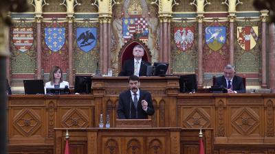 Ünnepi ülésnapon emlékezik harminc évvel ezelőtti megalakulására az Országgyűlés(Fotó: MTI)