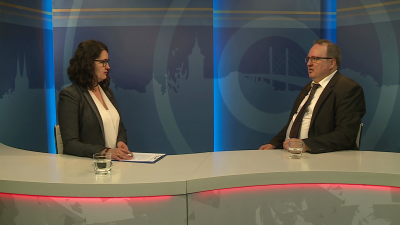 Kugyelka-Zámbori Eszter beszélgetett Koszecz Sándorral, a KOLLABOR vezetőjével a 7.TV Aktuális c. magazinjában. Fotó: 7.TV