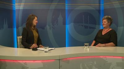 Tóth Bianka műsorvezető vendége (j.) Bátori Zsuzsanna igazgató volt a 7.TV Aktuális c. műsorában. Fotó: 7.TV