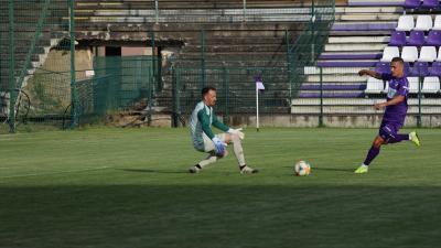 Szalai Dániel (lilában) szerezte a harmadik csabai gólt (Fotó: Milyó Pál)