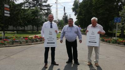 Gyopáros Alpár (b), Kürti Sándor és dr. Kovács József – (Fotó: Hidvégi Dávid/behir.hu)