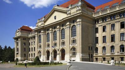 A Debreceni Egyetem főépülete (Forrás: MTI)