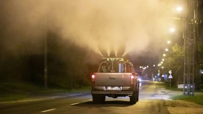 Földi szúnyoggyérítés. Fotó: MTI