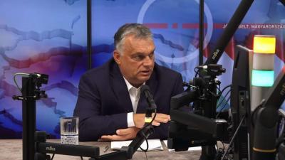 Orbán Viktor a Kossuth Rádió stúdiójában (Forrás: Facebook/Orbán Viktor)