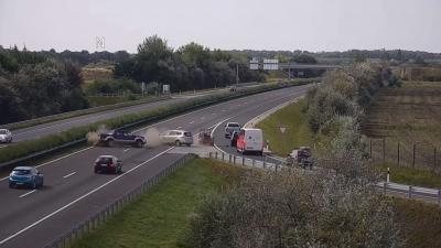 Baleset az M3-as autópályánál. Fotó: Magyar Közút