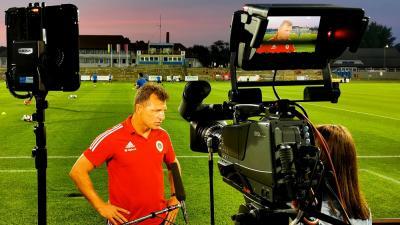 Schindler Szabolcs interjúja az M4 Sportnak – (Fotó: vasasfc.hu)
