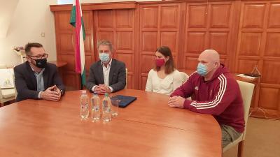 Varga Tamás, Szarvas Péter, Özbas Szofi és Gyáni János. Fotó: Papp Ádám