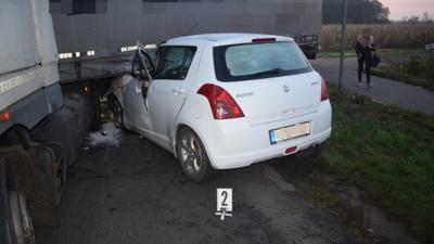 Mezőberényben teherautó és személyautó ütközött kedden hajnalban Fotó forrás: police.hu