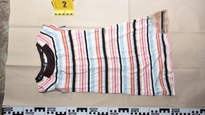 Ezt a ruhát találták a helyszínen. Fotó: police.hu